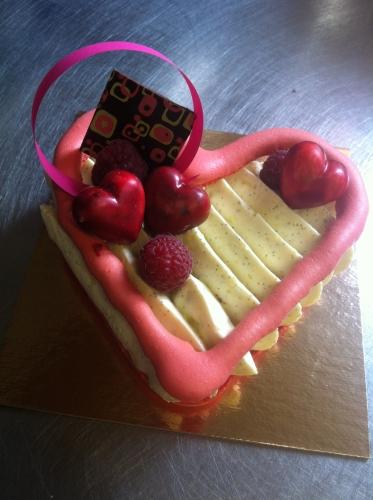 coeur, saint valentin, macaron, rouge, framboise, vanille, madagascar, saveur, goût, couleur, cul, dessert, amoureux, papou, création, 67, hoenheim
