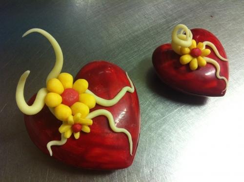 saint, valentin, coeur, chocolat, amour, fête, pralin, dessert, pâtisserie, 67, papou, couverture, ivoire, rouge, fleur, création, plastique, structure, original, 2012