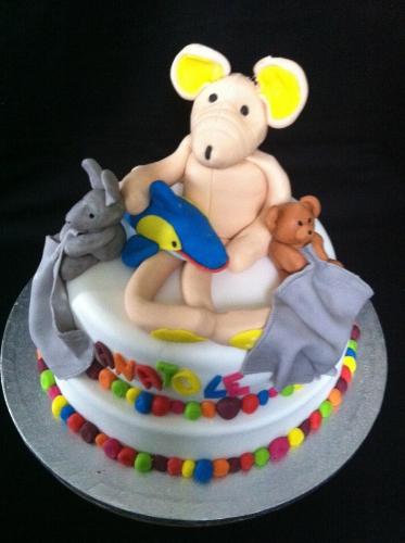 doudou, enfant, peluche, décor, anniversaire, bébé,fête, pâte à sucre, pâtissier, alsace,papou, franck valentin, création, imaginatif, dessert original enfant, lapin, dauphin, ourson,