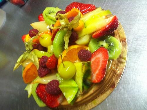 tarte, crème, amande, pâtissière, fruit, ananas, poire, framboise, fraise, kiwi, physalise, carambole, orange, papou, hoenheim
