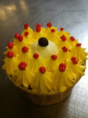 cup, cake, ananas, chocolat, blanc, jaune, crème, beurre, décor, rouge, fruit, gâteau sec, papou, 67, bas rhin, pâtissier, création, original