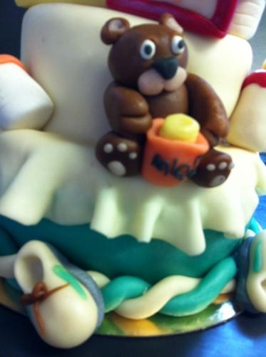 wedding cake, baby shower, ourson, chausson, cigogne, cube, miel, déco, pâte amande, pâtisier, hoenheim, alsace, 67, papou, original, création