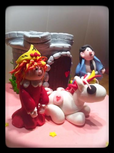 princesse, prince, licorne, cheval, modelage, pâte à sucre, fimo, château fort, girly, étoile, papou, pâtissier, alsace