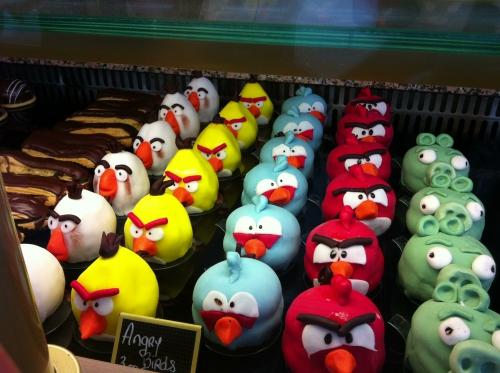 angry birds, patisserie, pate à sucre, créme patissiere, souris, patate, biscuit, dessert, enfant, gouter, drole, oiseau, jeu, application, papou, zellwiller, alsace, bas rhin, patissier, original