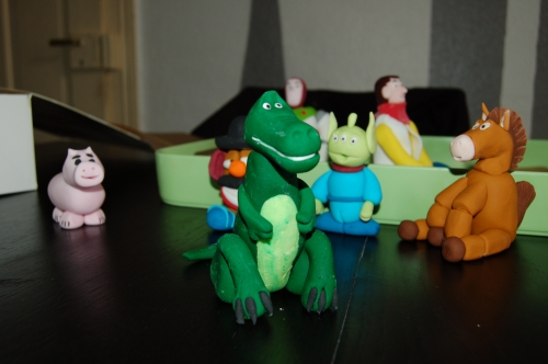 Rex, dinosaure, tyranosaure, toy story, fimo, modelage, pâte à sucre, pâte à modeler