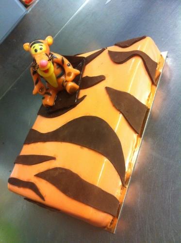 dessert, fête, anniversaire, enfant, disney, tigrou, pâte, amande, chocolat, création, original, pâtissier, bas rhin, 67, hoenheim, valentin, franck, orange, rayer, chocolat, bon, beau,