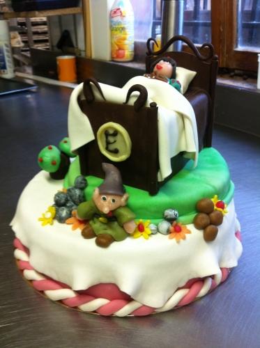 wedding cake, blanche, neige, nain, simplet, disney, génoise, oeuf, crème , beurre, pâtissière, papou, 67, hoenheim, boulanger, anniversaire, enfant