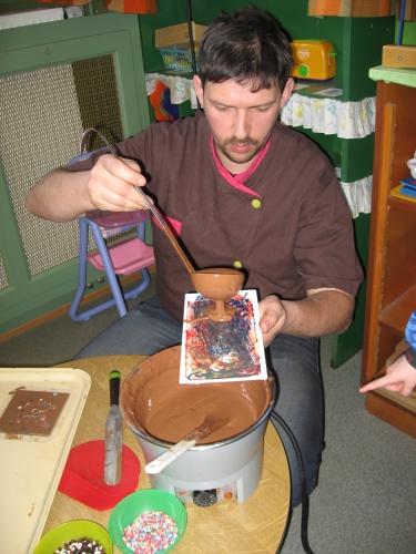 papou, chocolat, activité, atelier, école, enfant, pâques, maternelle, peinture, beurre de cacao, pâtisserie